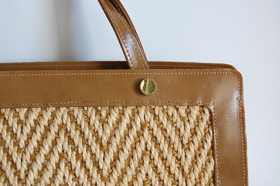 60s vintage Zig Zag Woven Sisal Purse . Natural Fiber with Faux Leather
