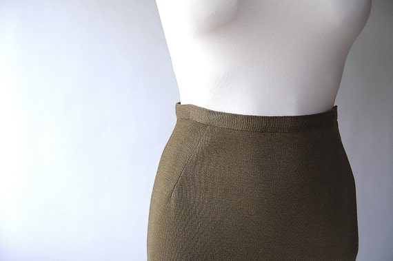 1950s Skirt . Wool Pencil Skirt . Sweater Knit . Olive . Estate Find
