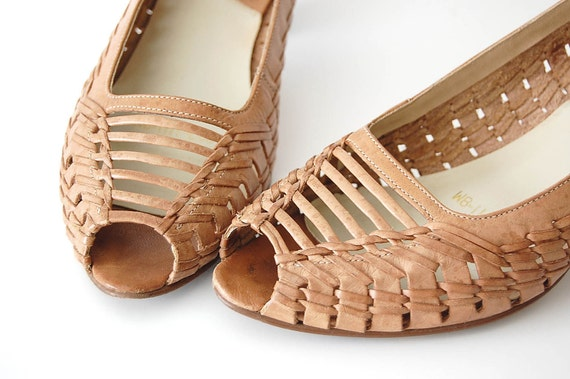 vintage Woven Leather Heels . Ipanema . Peep Toe . made in Brazil . 7.5 8 M