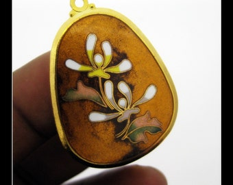 Only 4 in stock-1 Vintage Enamel Flower Pendant- No 3