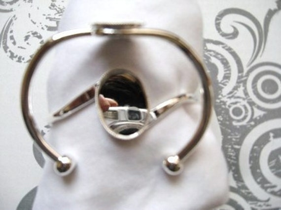 Only 2 Sets In Stock-12 Silver Plated 25 x 18 Cuff Bracelet Settings