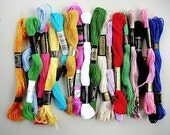 20 SKEINS OF VARIOUS COLORFUL EMBROIDERY FLOSS THREAD