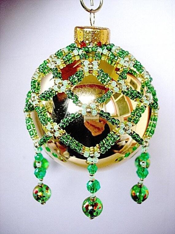 Lovely Victorian Pattern Glass Beaded Christmas Ball Ornament Collar