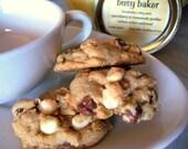 IRRESISTIBLE MILK AND WHITE CHOCOLATE MOCHA Gourmet Cookies