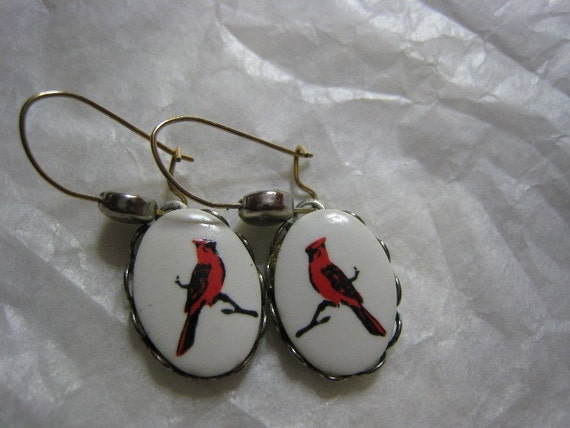 1950s Vintage Costume Cameo Red Cardinal Bird Earrings