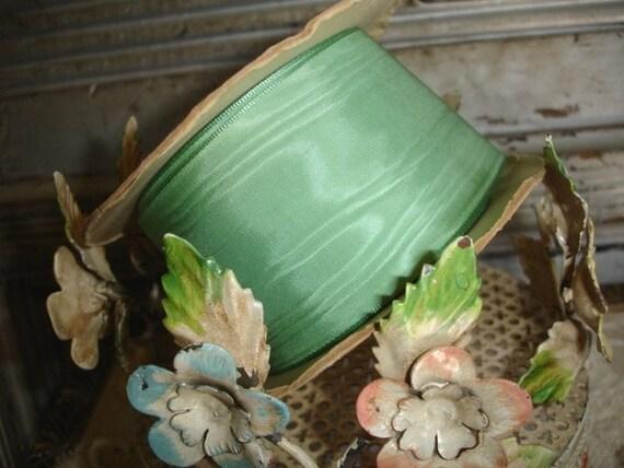 TREASURY ITEM...7 plus yards scRumptious WIDE nile green vinTaGe moire taffeta ribbon