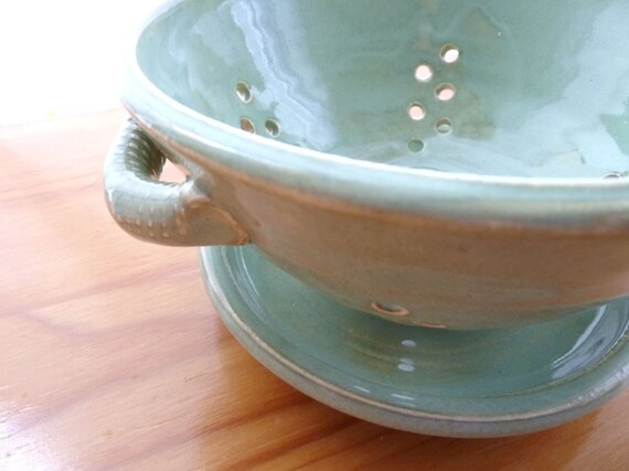 Berry Colander and Dish Set (Serenity Green)