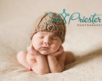 Baby hat hand knit chunky knitted cabled beanie tan beige latte light brown taupe newborn baby boy girl unigender photography photo prop