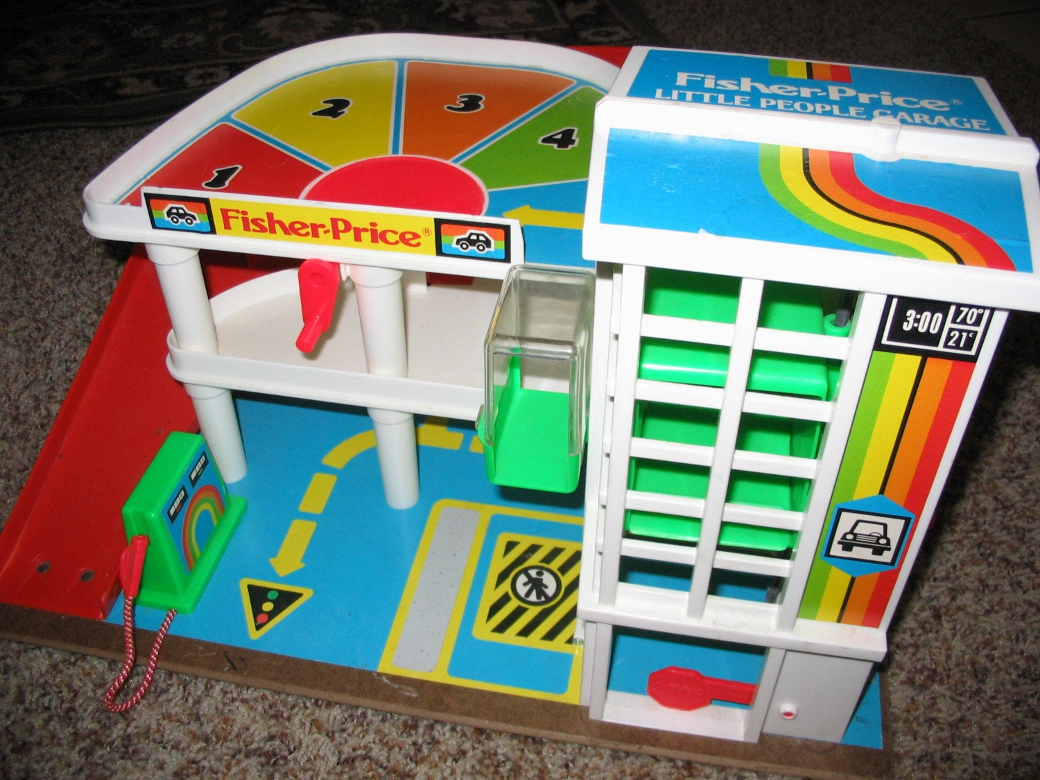 vintage fisher price little people garage. Black Bedroom Furniture Sets. Home Design Ideas