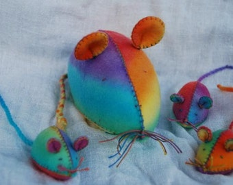 THE MOUSE FAMILY sewing kit for you to create.
