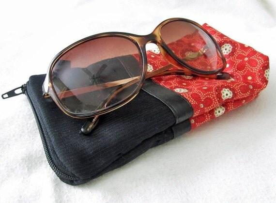 Sunglasses Eyeglass case. Padded zipper pouch. Black Wool pinstripe & Red.