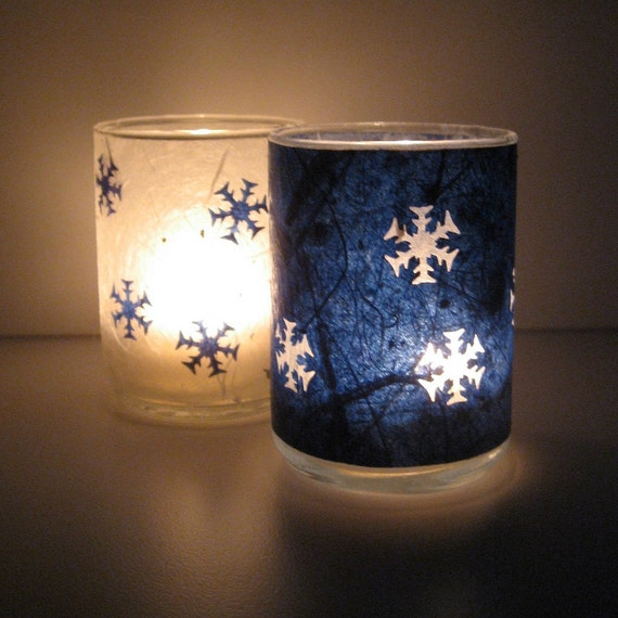 Falling Snowflakes - A Set of Two Earth Lights