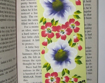Hand-Painted Magnetic Bookmark - Flowers - No. 929