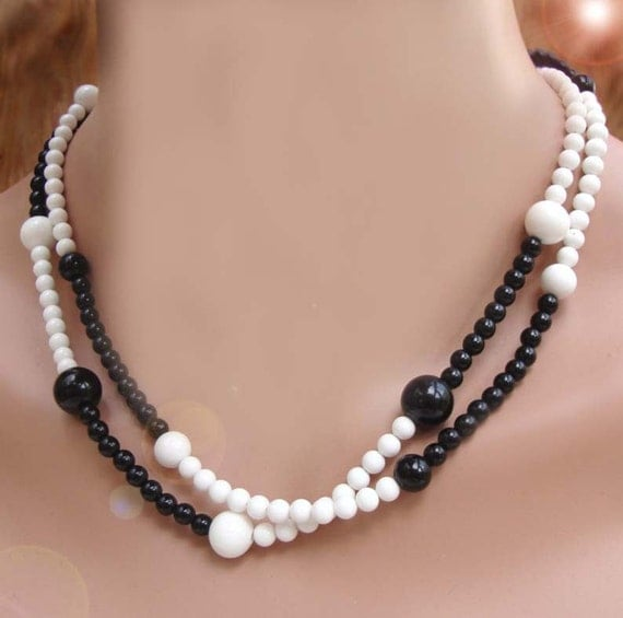 Vintage 80s Black and White Double Strand Beaded Necklace