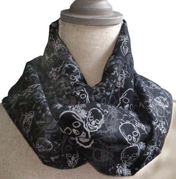 Skulls Hefty Cotton Infinity Circle Scarf in Black and Grey UNISEX