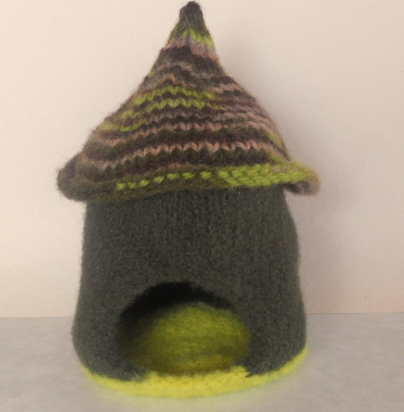 Waldorf Toy - Gnome House - Natural/EcoFriendly - Imaginative Play - Dollhouse