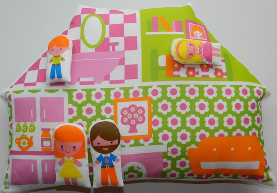 Dolls House Cushion and Family - Pink