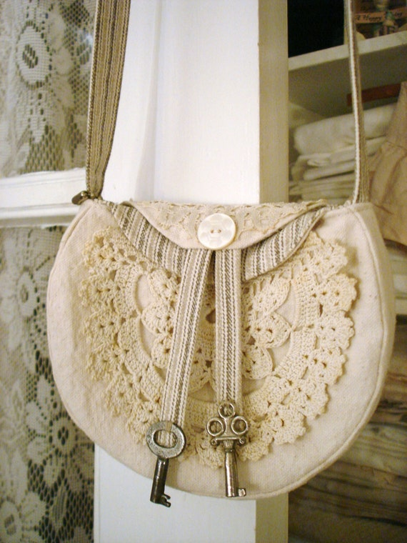 Wonderful Flea Market Antiquing Purse Pouch Handbag Flea Bag