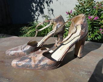 Vintage 70s Reptile Snake Python Skin All Leather T-strap Italian Shoes 6B