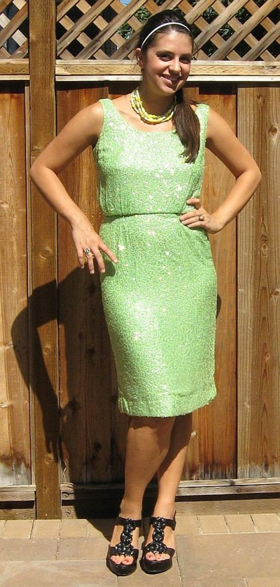 Vintage 60s Fully Sequined Lime Green Silk Cocktail Evening Wiggle Dress B38