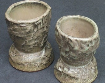 DISCOUNT set of two textured shot glasses