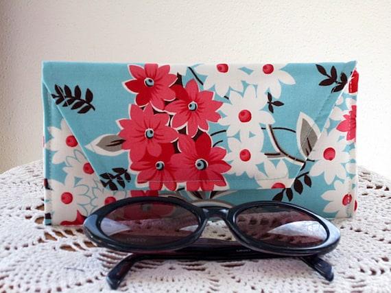 Eyeglass Clutch Feminine Products Coupon Cosmetic Case Case Flea Market Fiesta Bouquet in Turquoise