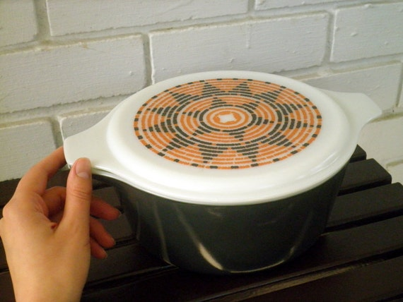 Rare Vintage Pyrex Southwestern Aztec Pattern Large 2.5 Qt. Milk Glass Casserole Dish With Lid, Circa 1970s