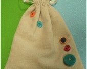 Gift Pouch, Buttons