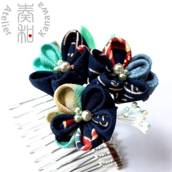 Mosaic Night - Mitukobira (three baby petals) Tsumami Kanzashi Comb with Freshwater Pearls