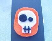 Simple Skull Brooch