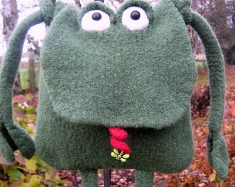 PDF Pattern Felted Knit Frog Bag