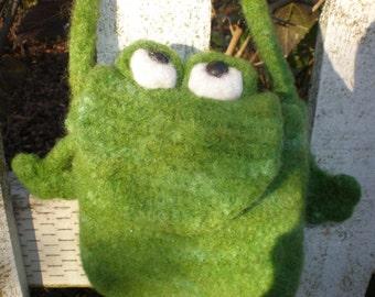 Pattern  Crochet Felted Wool Mini Frog Bag