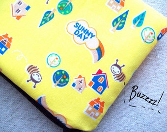 SALE-Buzzing bee pouch