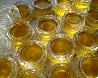 Raw - unrefined shea butter from Ghana - sample size jar