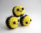 Buzzy Bumble Bee Amigurumi