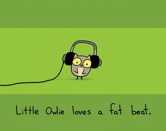 Owlie Loves a Fat Beat Greeting Card