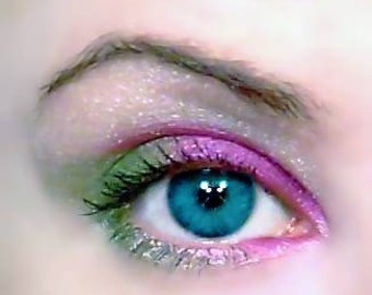 Ornamental Eyes Eye Shadow Kit Pink Green White Sparkle Shimmer