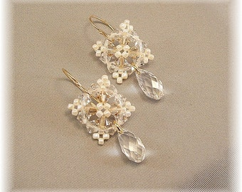 Ivory Beaded Picot Geometric Teardrop Earrings, Huggie Earrings, Short Earrings, Mini Etoile, Light Golden Blend