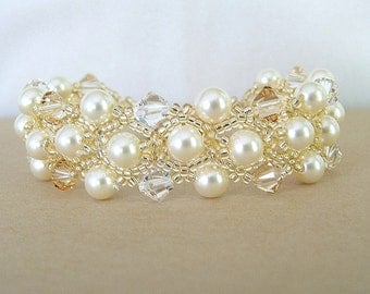 Cream Swarovski  Pearls and Golden Blend Crystal Wedding Bracelet, Gold Jewelry Accessories, Golden Weddings, Golden Bracelets