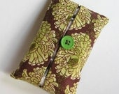 Green\/Brown Print Tissue Cozy