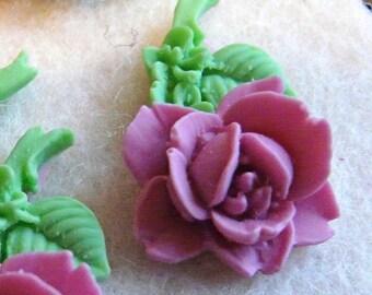 CA-CA-00102 - A Single Violet Rose Cabochon, 2 pairs