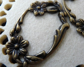 CH-ME-03006-Nickel Free, Antique Brass floral frame pendant, 4 pcs