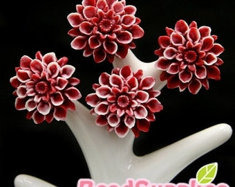 CA-CA-01562 - Snowy Red chrysanthemum Cabochon,  6 pcs