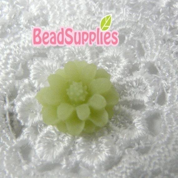 CA-CA-01209 - Jade Green mini flower Cabochon, 6 pcs
