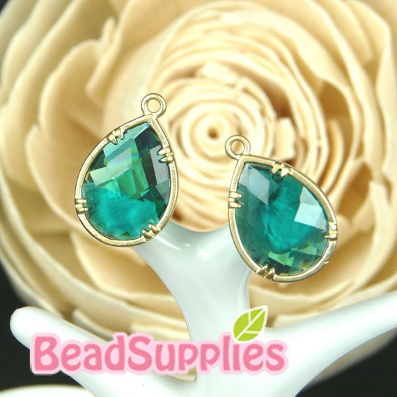 CH-GL-01004- Gold plated, colored faceted teardrop charm, emerald green, 4 pcs
