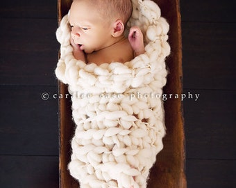 PDF Crochet Pattern Newborn Prop Sock/Cocoon For Bulky to Super Bulky Yarns Great Photography Prop Instant Download