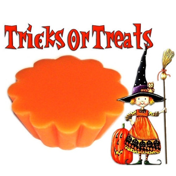 4 Tricks or Treats Tarts Candle Melts Spicy Pumpkin and Fruit Scent