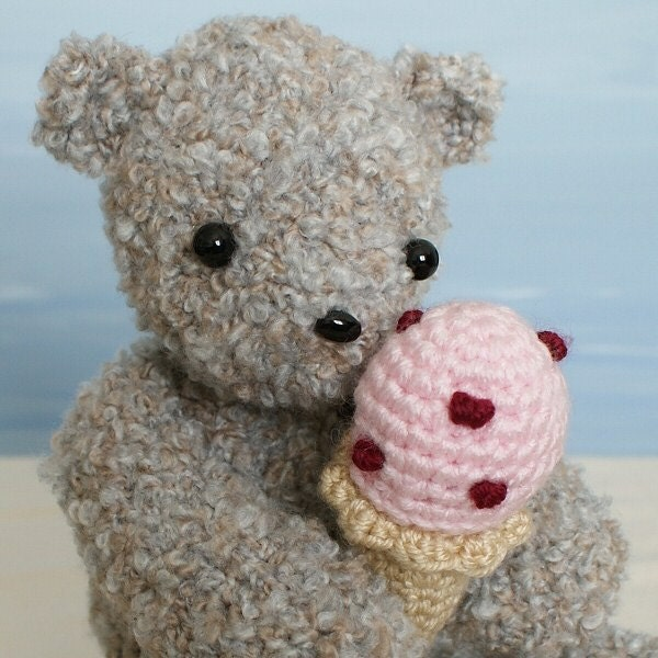 Ice Cream Bear amigurumi teddy bear crochet pattern