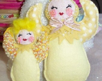Little  Yellow chick pin softie