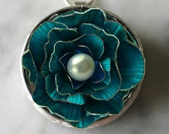 Pillbox Pendant- Blue Blossom